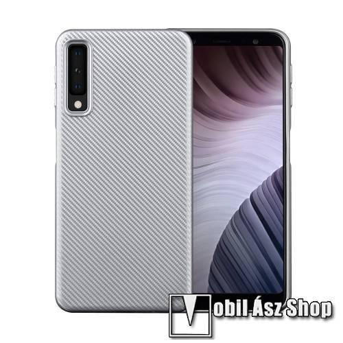Szilikon védő tok / hátlap - karbon mintás - EZÜST - SAMSUNG SM-A750F Galaxy A7 (2018)